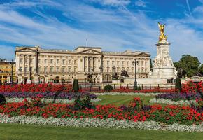 World's Smallest - Buckingham Palace